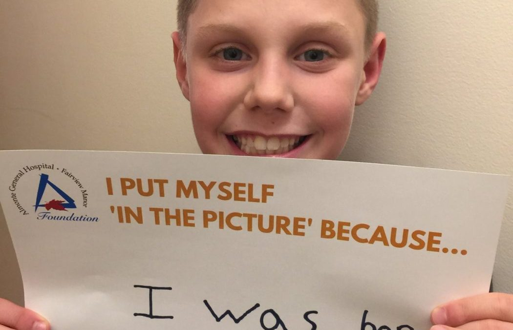 Show Us Your UNSelfie Side